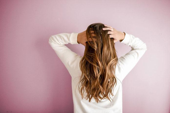 Keratynowe przedłużanie i zagęszczanie włosów